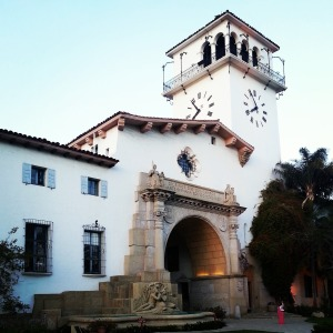 The Broad Architectural Style Category We Refer To As Spanish Colonial Revival Occurred From 1890 1940 And Reached Its Peak During Years 1924 1932